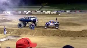 Truck Tug Of War Fail - YouTube