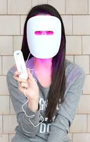 Fighting Breakouts with Neutrogena s Light Therapy Acne Mask