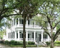 Southern Colonial Homes by 27 件の Colonial Homes のアイデア探し のおすすめ