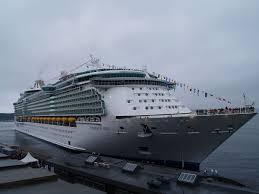 Cruise Ship Sinking 2015 by Freedom Class Cruise Ship Wikipedia