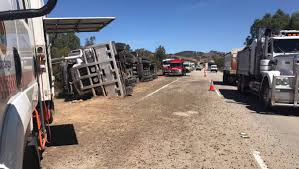 100 Truck Rollover Emergency Services Rush To Truck Crash On Hume Highway North Of