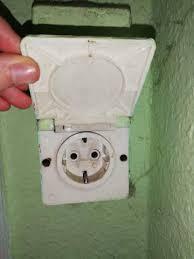 was ist das für eine steckdose im bad elektrik badezimmer