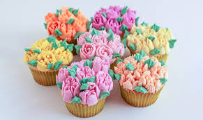These New All In One Tips Make It Insanely Easy To Pipe Gorgeous Buttercream Flowers Onto Cakes Cupcakes Or Anything