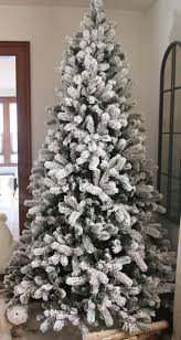 Flocked Downswept Christmas Trees by Amazon Com King Of Christmas 6 5 Foot King Flock Christmas Tree