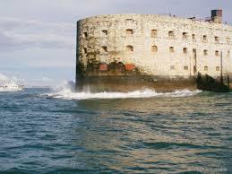 le fort boyard près du cing tourisme et loisirs en charente