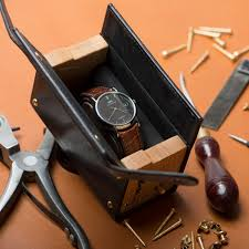 robinson campaign watch case cool hunting