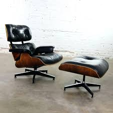 Eames Lounge Vintage Chair Ottoman In Black Leather Rosewood ... Brown Leather Eames 670 Rosewood Lounge Chair 2 Home Brazilian Sold 1970s Herman Miller Ottoman Details About Rare 1960s Lcm Mid Century Modern Classic Emes Style And 100 Top Genuine Black 60s Italian White In Early Special Order Green
