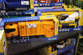 BRUDER CRANE TRUCK, GARBAGE TRUCK, DUMP TRUCK Bruder Mack Granite Dump Truck 116 Scale 1864028092 Cek Harga Hadiah Tpopuler Diecast Mainan Mobil Mack Bruder News 2017 Unboxing Truck Garbage Man Crane And 02823 Halfpipe Chat Perch Toys Kids With Snow Plow Blade 02825 Toy Model Replica Half Pipe Toot Toy Cars Pinterest Jual 2751 Dump Truk Man Tga Excavator Ebay Pics Unique 3550 Scania R Series Tipper Rc 4wd Mercedesbenz Trailer Transportation