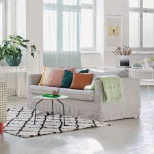 tissus pour recouvrir canapé canapé pas cher relooker canapé sans se ruiner c est possible