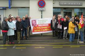 bureau de poste sorel manifestation contre la fermeture de la poste à la chaume actu fr
