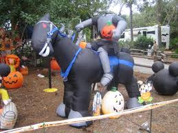 Large Blow Up Halloween Decorations by Diy Halloween Decorating E2 80 94 Crafthubs Homemade Decorations