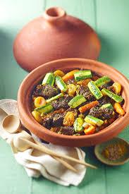 cuisiner avec un tajine en terre cuite maroc le tajine la cuisson marocaine à l étouffée culture et