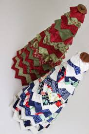 Fred Meyer Artificial Christmas Trees by Check Out This Easy To Make No Sew Quilted Christmas Tree This