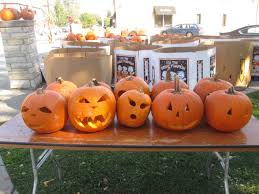 Highwood Pumpkin Fest Hours by Highwood Pumpkin Fest Aims To Beat Guinness World Record Lighting