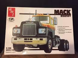 AMT MACK R685ST Model Truck Kit | #1842957476
