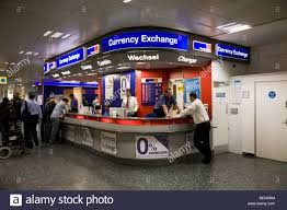 bureau de change en bureau de change office operated by travelex at gatwick airport
