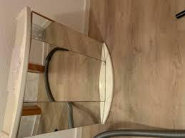 glasschrank hängeschrank badezimmer spiegelschrank licht