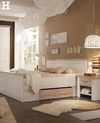 schlafzimmer ideen mit schwarzem bett country style
