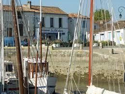 chambres d hotes le clos des romarins en charente maritime