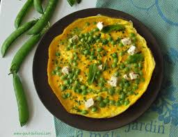 cuisiner des petit pois frais omelette de printemps aux petits pois frais menthe et feta goût