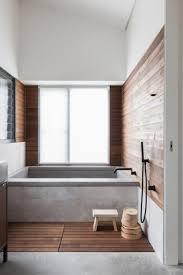 holz im bad bringt opulenz und wärme mit verlangt aber