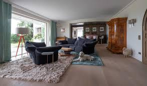 villa alt neu kombiniert modern wohnzimmer