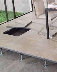 revêtement de sol en céramique professionnel en dalles lisse