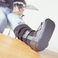 How to Lose Weight With a Broken Leg