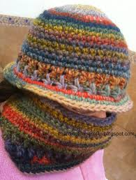 Gorro cuello y manoplas de ganchillo para mi princesa Crocheted