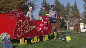 Clovis Christmas Tree Lane by Clovis Neighborhood Gets Decked Out For Christmas Abc30 Com