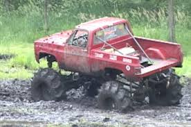 BIG MUD TRUCKS (EXTENDED)- Perkins Mud Bog - YouTube