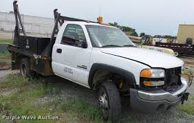 2004 GMC Sierra 3500 Flatbed Pickup Truck | Item DE7139 | SO...