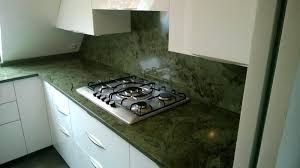 plaque granit cuisine plaque de cuisine plaque de cuisson sur plan de travail en granit