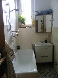 mit wenigen mitteln ein badezimmer schön gestalten gebluemlich