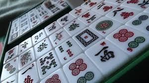 File Mahjong tiles on angle Wikimedia mons