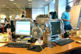 Cubicle Decoration Ideas For Christmas by Themes For Cubicle Decoration Competition In Office Bay Decoration