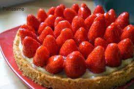 tarte aux fraises pate feuilletee patissime tarte aux fraises crème pâtissière et sablé breton