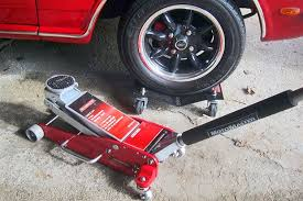 Trolley Jack Vs Floor Jack by Product Review Motomaster 3 Ton Aluminum And Steel Garage Jack