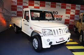 Mahindra Bolero Maxi Truck Plus White Front Quarter