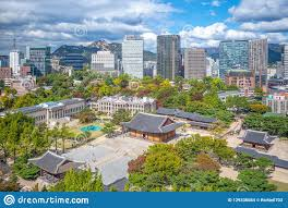 100 Skyline Residence Of Seoul And Deoksugung Palace In Korea Stock Photo