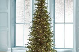 Frontgate Christmas Tree Storage by How To Select And Decorate Your Christmas Tree Grandin Road Blog