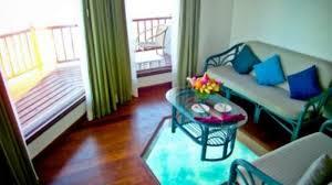 Glass Floors In Overwater Rooms 41487 15092916070036495741