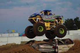 100 Mini Monster Trucks BIGWHEEL POWER