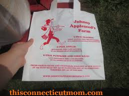 Pumpkin Picking Ct Easton by Apple Picking At Johnny Appleseed U0027s Orchard U0026 Farm Market This