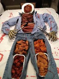 Scary Halloween Props To Make by Best 25 Scary Halloween Decorations Ideas On Pinterest Spooky