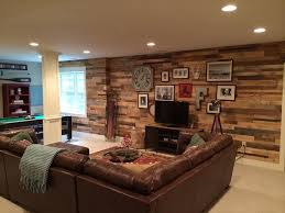 Rustic Living Room Wall Ideas by Build Diy Pallet Wall In 4 Steps Pallets Wall Ideas And Diy Wood