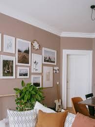 interior stylen mit farbe boho earthtones terrakotta