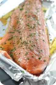 cuisiner filet de saumon saumon au four recette rapide et facile paprikas