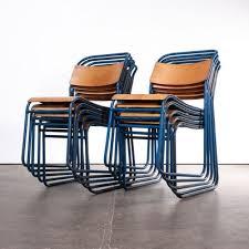 stapelbare esszimmerstühle mit blauem metallgestell remploy 1950er 10er set