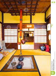 japanischer kamin wohnzimmer innenraum irori stockfoto